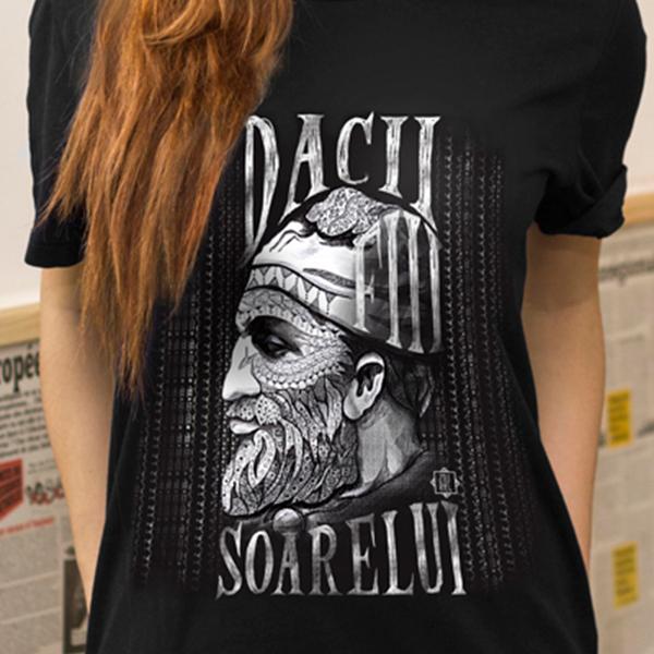 Tricou simplu Dacii fiii soarelui femei detaliu