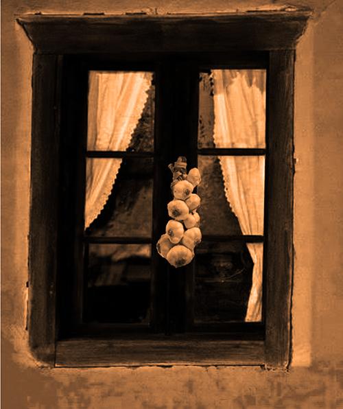 fereastra-cu-usturoi-2